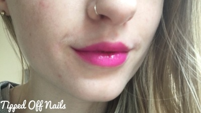Makeup Revolution Liphug Lipstick Present Has No Living