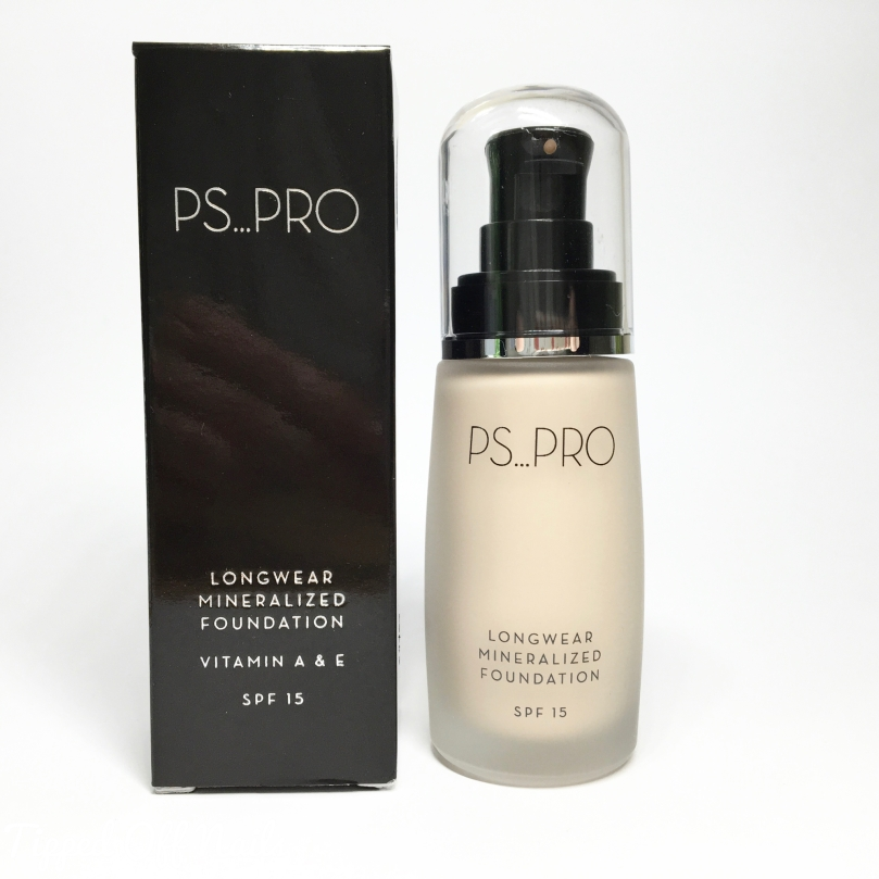 PS...Pro Longwear Mineralized Foundation - 00 Porcelain Primark Beauty Swatches & Review