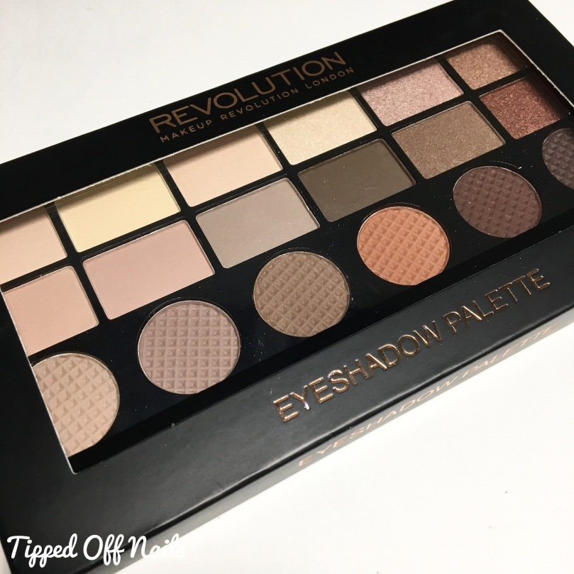 Makeup Revolution 12 Days of Christmas Eyeshadow Palette Matte 18 Edit